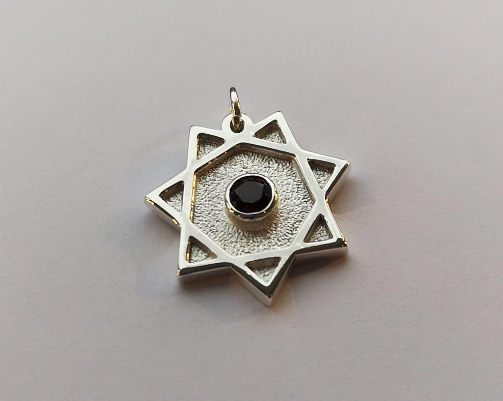 7 pointed star pendant