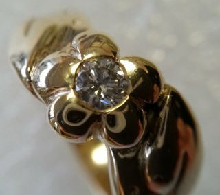 9kt yellow gold and diamond ring 1