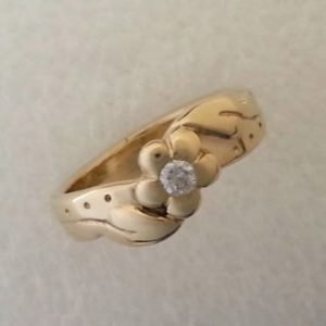 9kt yellow gold and diamond ring 2