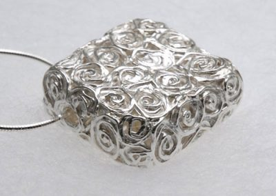 Fine-Silver-Hollow-Square-Roses-Pendant-2