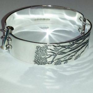 Sterling silver Manuka tree engraved bracelet 1