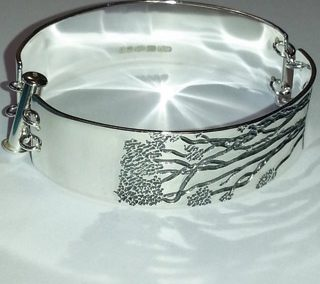 Sterling silver Manuka tree engraved bracelet 1