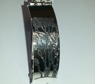 Sterling silver Manuka tree engraved bracelet 2
