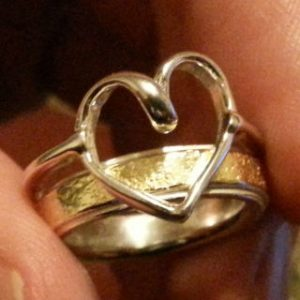 Sterling silver heart ring to compliment wedding band